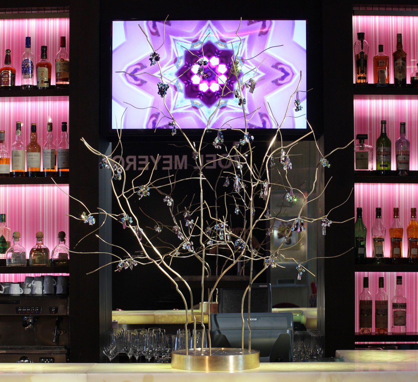 InterContinental Bar Düsseldorf Crystal Flower Bouquets Christmas 2014. Object Design and movie concept by Sayonara Visual Concepts